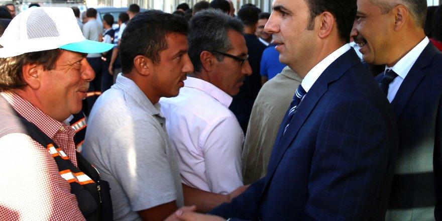 Altay, belediye personeli ile bayramlaştı