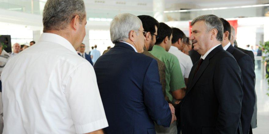 Akyürek belediye çalışanları ile bayramlaştı