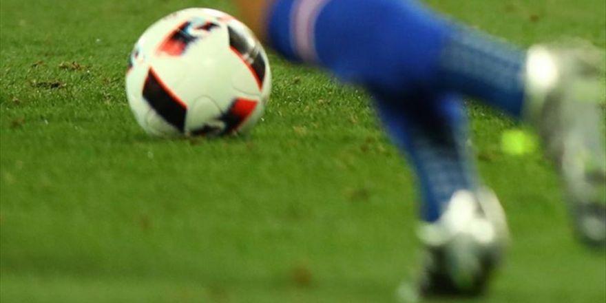 İslam'a Odaklanmak İçin Futbolu Erken Bırakıyor
