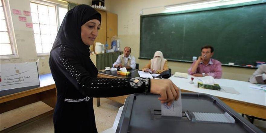Ürdün'de Halk Sandık Başına Gitti