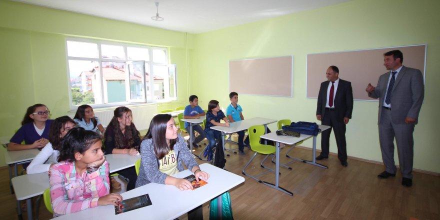 Başkan Özaltun, ilk ve ortaokul öğrencileriyle buluştu