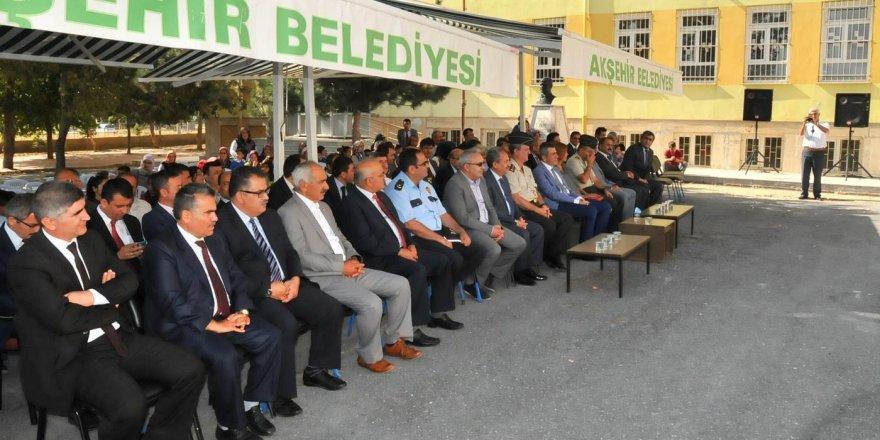 Akşehir Belediyesi'nden 3 bin çanta ve kırtasiye seti