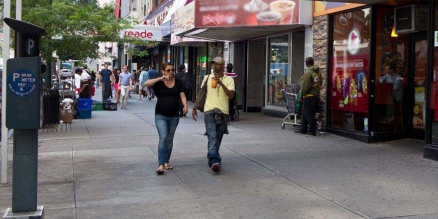 Abd'de Bir Restoranda Müslüman Karşıtı Panoya Tepki