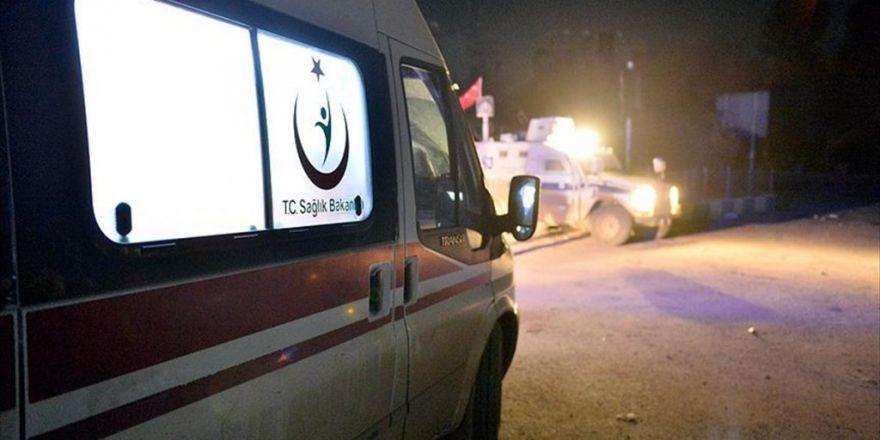 Muş'ta Polis Aracı İle Traktör Çarpıştı: 4 Yaralı