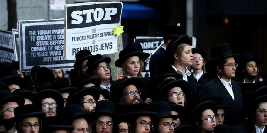 Bm Önünde İsrail Protestosu