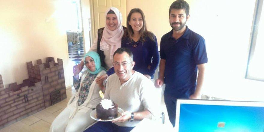 Ümit Hamza Tangüç'e  doğum günü sürprizi