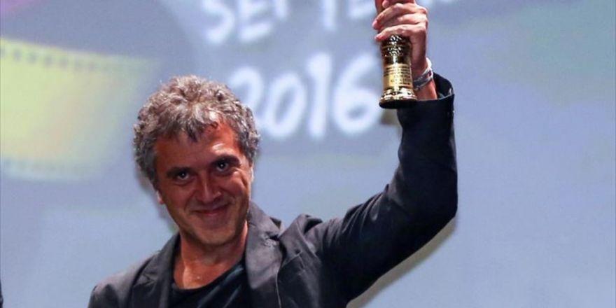 'En İyi Film Ödülü' Reha Erdem'in 'Koca Dünya' Filminin Oldu