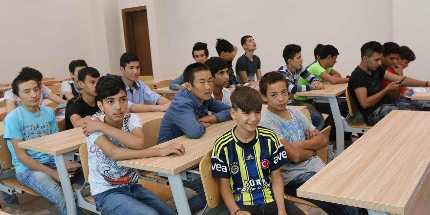 Türkçe'yi KTO Karatay'da öğreniyorlar