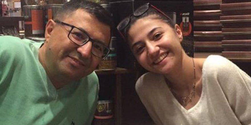 Savaş Durduran ile kızının kahve keyfi