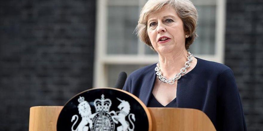 İngiltere Başbakanı May'dan Peres İçin Taziye Mesajı