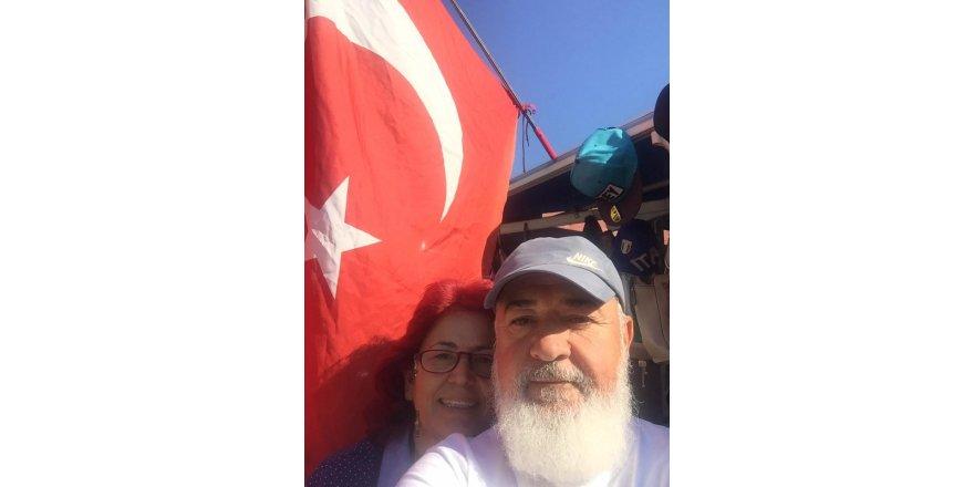 Özteke çifti şanlı bayrağın altında