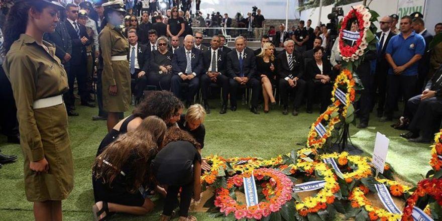 Eski İsrail Cumhurbaşkanı Peres Toprağa Verildi