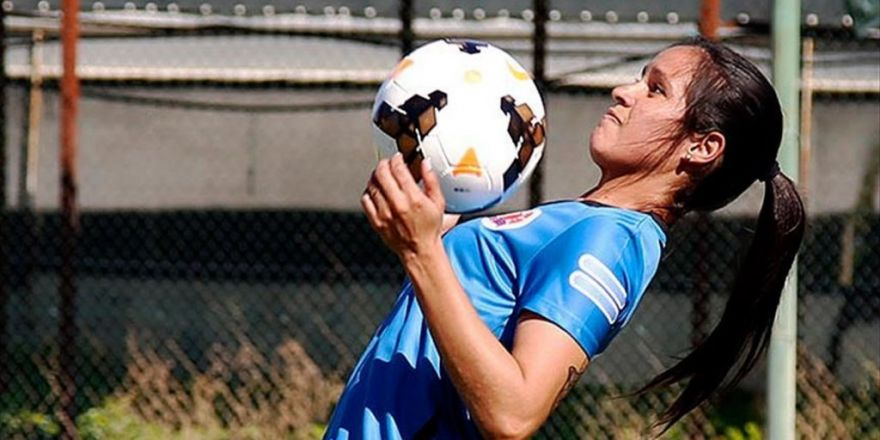 'Dişi Ronaldinho' Taraftarın İlgi Odağı Oldu