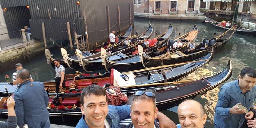Temel Peker ve arkadaşları Venedik'te
