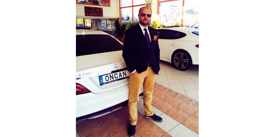Giyim tarzından asla taviz vermeyen isim Mehmet Bahadır Öncan