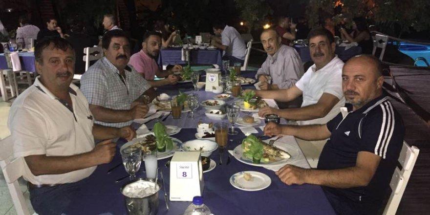 Başkan Çınardalı dostları ile balık keyfinde