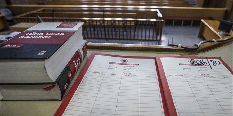 Mahkemenin Fetö İddianamesini İade Kararı Tepki Çekti