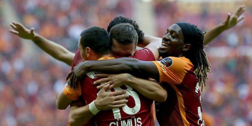 Galatasaray İkinci Yarı Açıldı