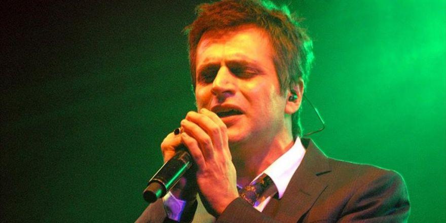 Teoman 'Best Of' Konserlerinde Hit Şarkılarını Söyleyecek