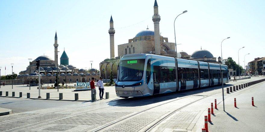 Konya'ya üniversiteyi yeni kazanan öğrencilere ulaşım 7 gün ücretsiz