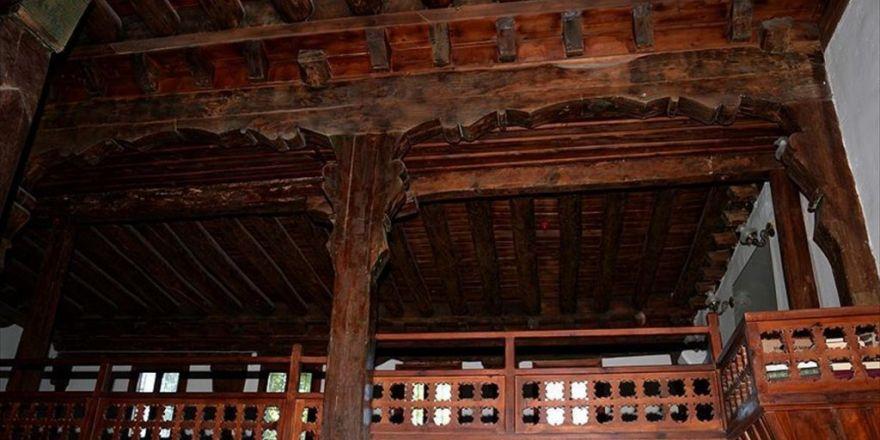 Çivi Kullanılmadan Yapılan Cami 8 Asırdır Ayakta