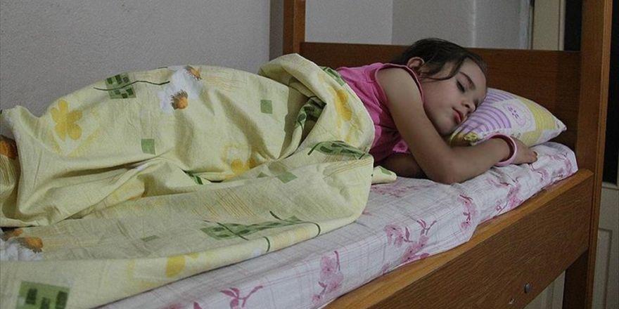 'Uyku Terörü Sırasında Çocuğunuzu Uyandırmayın'