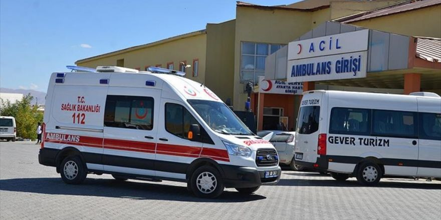 Hakkari Valiliği: Terör Saldırısında 5 Sivil Hayatını Kaybetti
