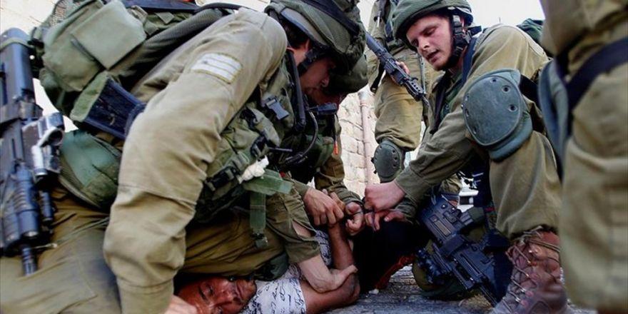 İsrail Güçleri 31 Filistinliyi Gözaltına Aldı