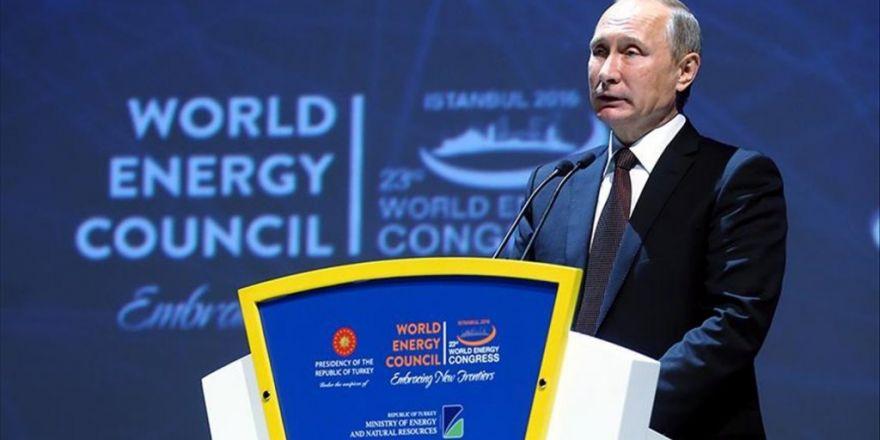 Rusya Devlet Başkanı Putin: Petrol Üretimi Kısıtlanacaksa Buna Katılmaya Hazırız