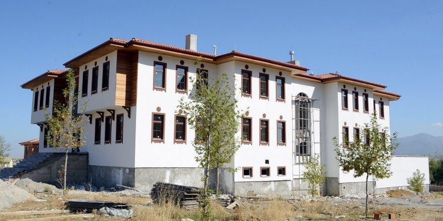 Büyükşehir'den Seydişehir'e Şehir Konağı