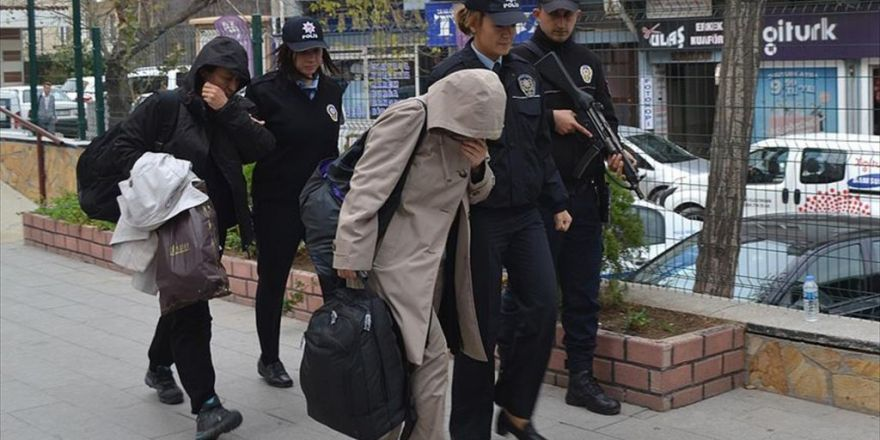 Yunanistan'a Kaçmaya Çalışan 2 Doktor Tutuklandı