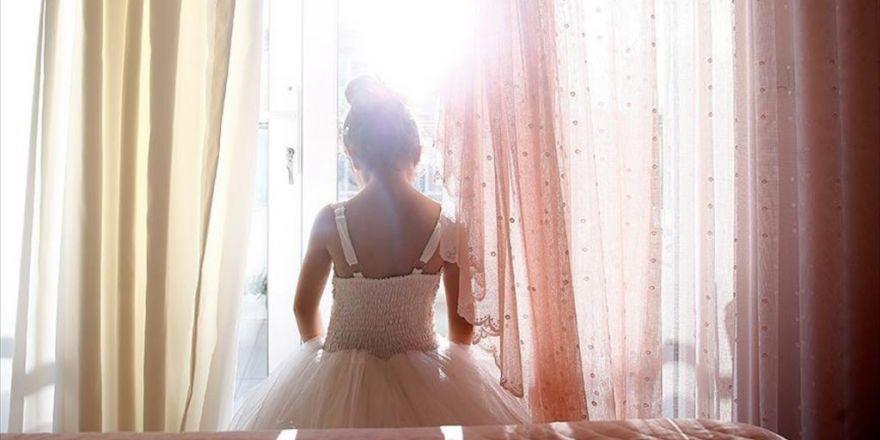 Dünyada Her 7 Saniyede 15 Yaşından Küçük Bir Kız Çocuğu Evlendiriliyor