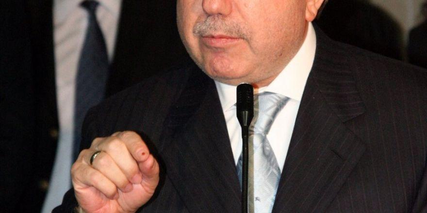 Eski Maliye Bakanı Unakıtan Vefat Etti
