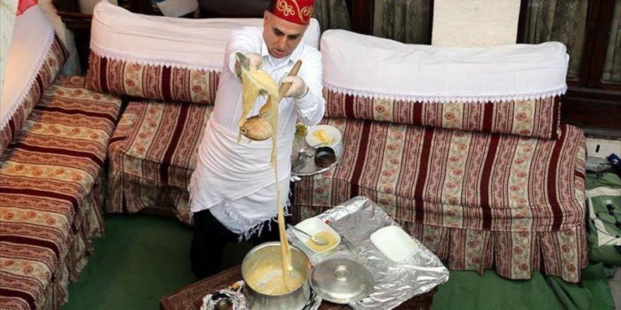 Uzadıkça Lezzeti Artan Tatlı: Peynirli İrmik Helvası
