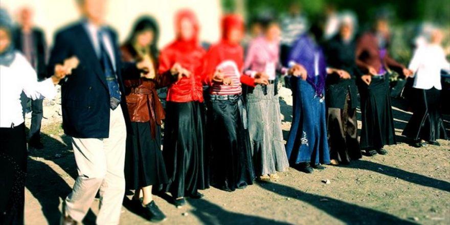 Adana'da Sokakta Düğün Yapılması Yasaklandı