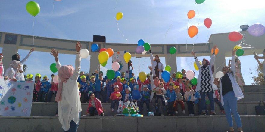 Yasemin Düşler Çocuk Bahçesi'nde balonlu gün