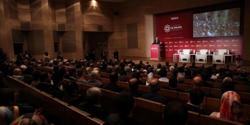 İş Dünyası Türkiye'nin İlk İş Ahlakı Zirvesinde Buluştu
