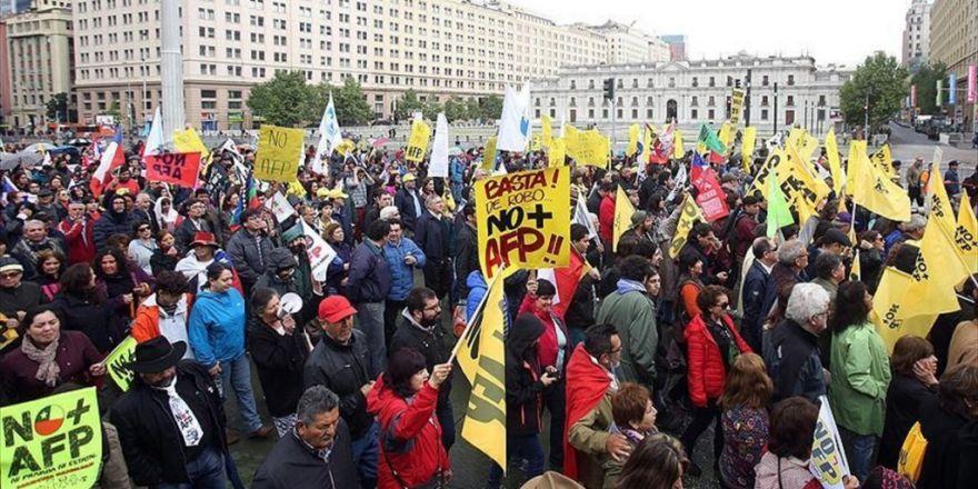 Şili'de Bireysel Emeklilik Sistemi Protesto Edildi