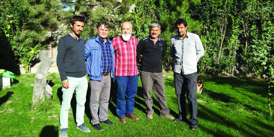 Vahit Demirci ve ekibi Uğur Özteke ile