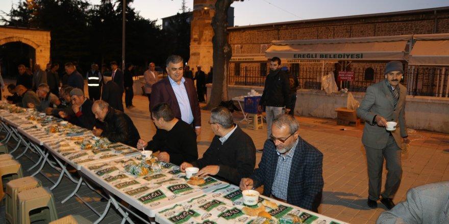 Ereğli Belediyesi'nden cami cemaatine çorba ikramı