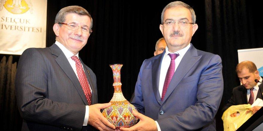 Davutoğlu Selçuk Üniversitesi'nde