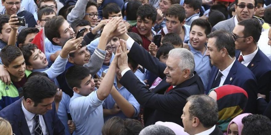 Başbakan Yıldırım Öğrencilerle Bir Araya Geldi