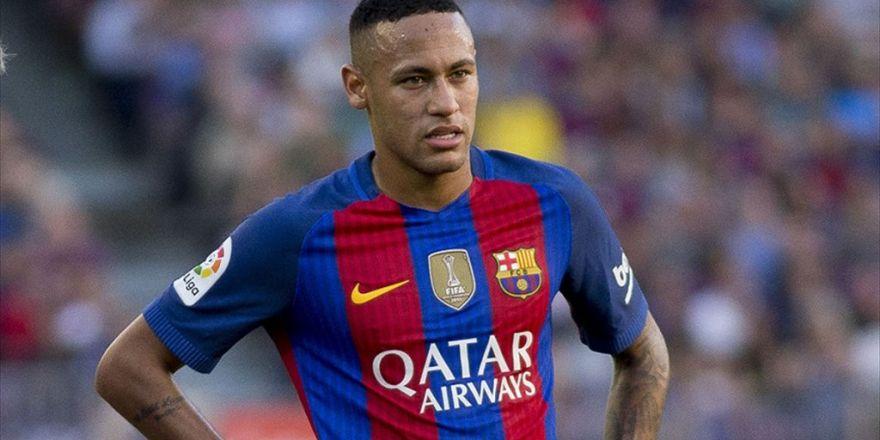 Barcelona Neymar'ın Sözleşmesini Uzattı