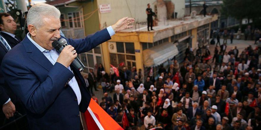 'Ne Fetö Ne Bölücü Terör Örgütü Bu Ülkeyi Bölmeye Muvaffak Olamaz'