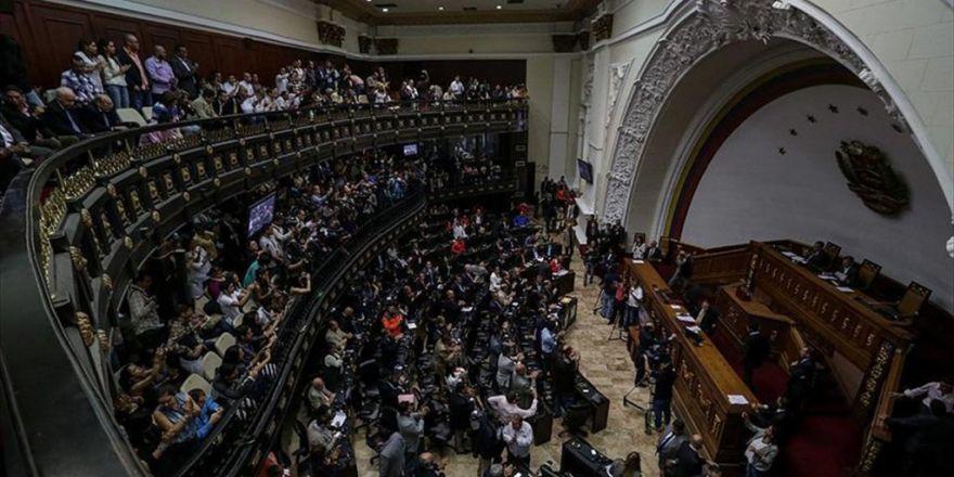 Venezuela Kongresinde Olaylı Oturum