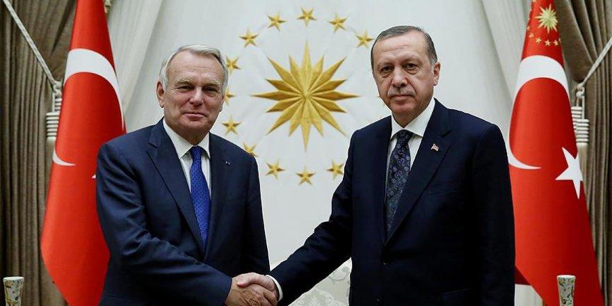 Erdoğan Fransa Dışişleri Bakanı Ayrault'yu kabul etti