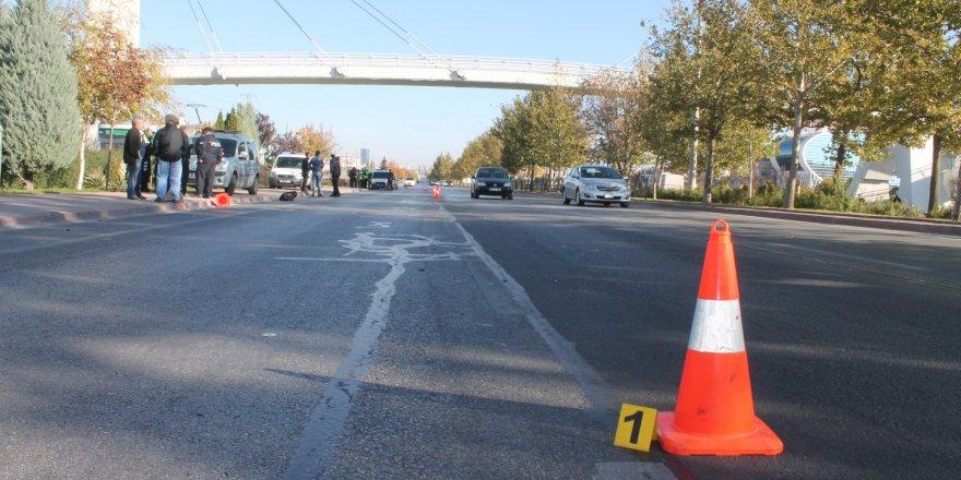 Yolcu minibüsünün çarptığı liseli 2 genç hayatını kaybetti