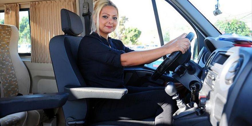 Kemer'in Kadın Şoförleri Okul Yolunda