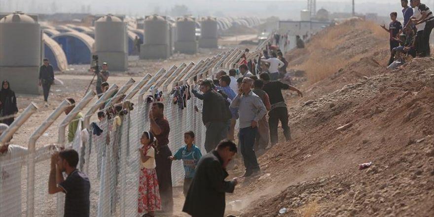 Deaş'ın Ayırdığı Aileler Sığınmacı Kampında Kavuşuyor