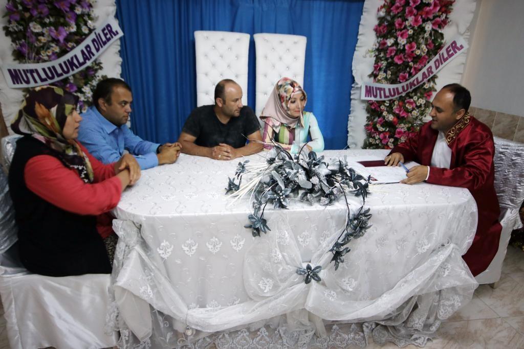 Beyşehir'de evlilik yıldönümü jesti